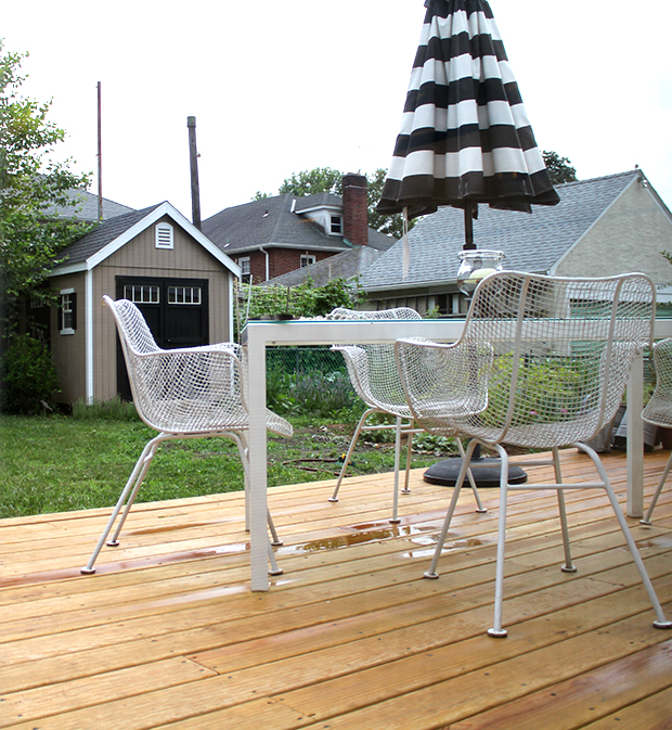 deck-table-chairs-umbrella